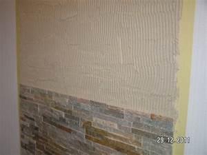 Natursteinfliesen Wand Wohnzimmer : wandverkleidung hinter dem kaminofen aus naturstein baublog von katja alexey ~ Sanjose-hotels-ca.com Haus und Dekorationen