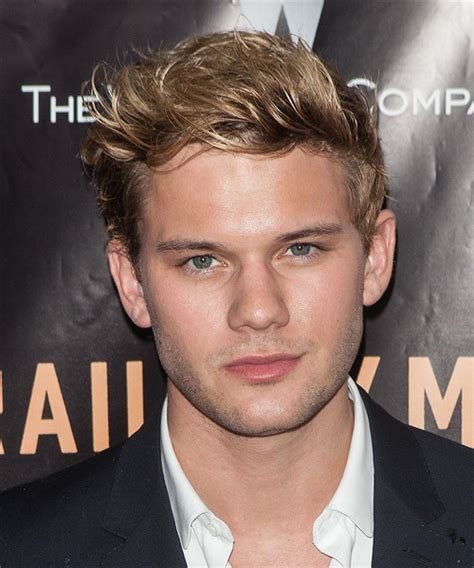 jeremy irvine hairstyles hair cuts  colors