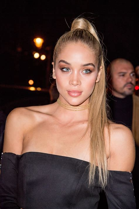 Jasmine Sanders Arriving The Oreal Gold Obsession