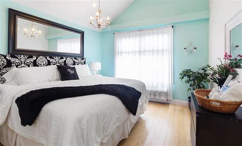 teal  damask bedroom  color walls   accent