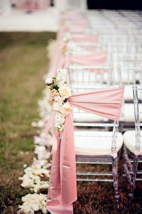 decoration chaise mariage choisir la décoration originale pas cher et jetable pour