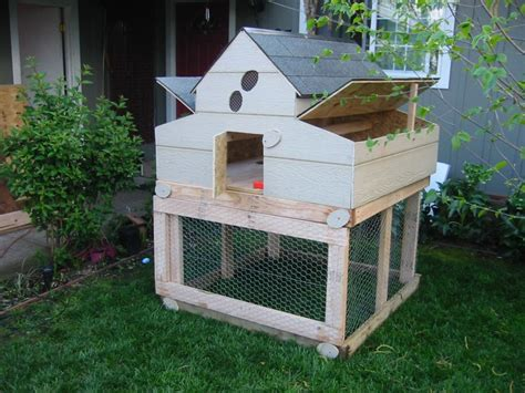 14 Awesome Chicken Coop Designs For The Stylish Backyard Bird