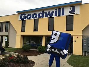Goodwill Store:... Goodwill