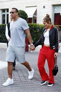 Jennifer Lopez Out with her boyfriend in Paris - Celebzz ...