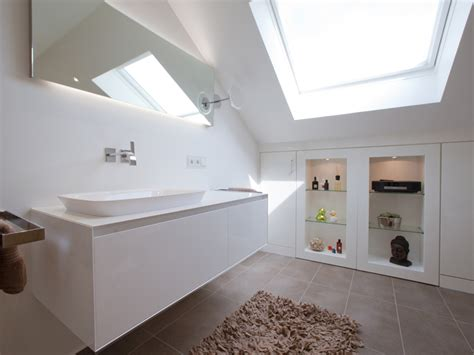 Badezimmer Spiegelschrank Dachschräge by Tipps Fuer Badezimmer Bauen Spiegelschrank