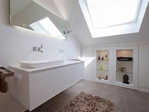 Regal Unter Der Decke : 7 tipps f r das badezimmer unterm dach ~ Sanjose-hotels-ca.com Haus und Dekorationen