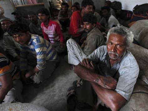 Three Men In A Boat Video In Hindi by India Detains Eleven Pakistani Fishermen The Express Tribune