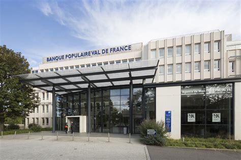 siège social de montigny le bretonneux banque populaire