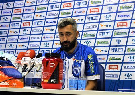 Avaí Futebol Clube » Douglas apresentado e pronto para ...