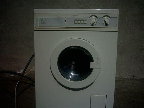 waschmaschine bewegt sich beim schleudern waschmaschine bewegt sich waschmaschine schleudert laut woran kann das liegen warum h pft