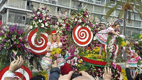 carnevale dei fiori il carnevale di nizza e la battaglia dei fiori emotion