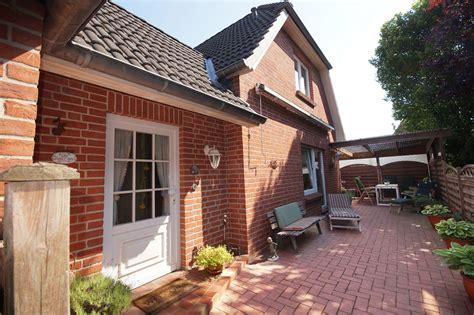 Häuser Kaufen Norden by Historische Kate Und Gepflegtes Einfamilienhaus In