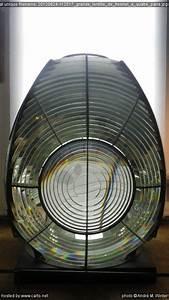 Lentille De Fresnel : grande lentille de fresnel quatre pans l 39 exposition sur les phares au mus e de la marine ~ Medecine-chirurgie-esthetiques.com Avis de Voitures