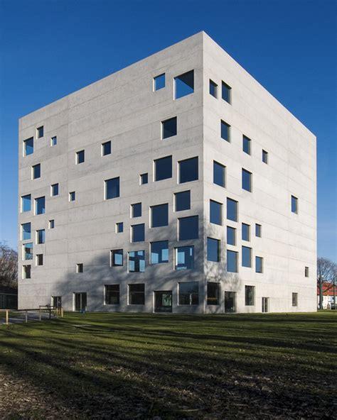Zollverein School Of Mangement And Design In Essen by File Zollverein School Of Management And Design 3116754 Jpg