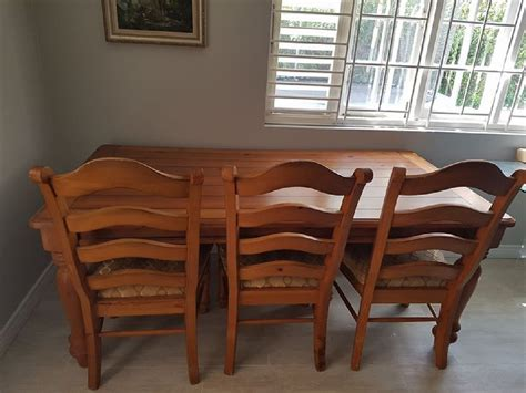 solid wood dining table  sale  kingston jamaica