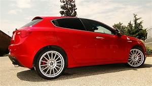 Alfa Romeo Lille : alfa romeo giulietta shades of red on wheels pinterest wheels cars and vehicle ~ Gottalentnigeria.com Avis de Voitures