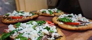 STŌK :: Recipe - Spinach and Feta Pita Pizza