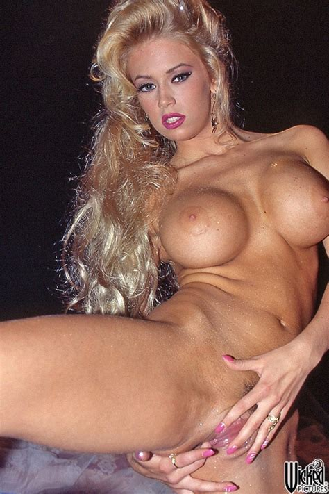 Jenna Jameson Big Breasted Blonde Pornstar Jenna Babesandstars Com