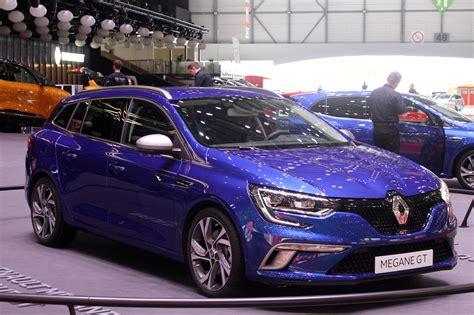 Renault Unveils New Megane Sport Tourer And Zoe Model At
