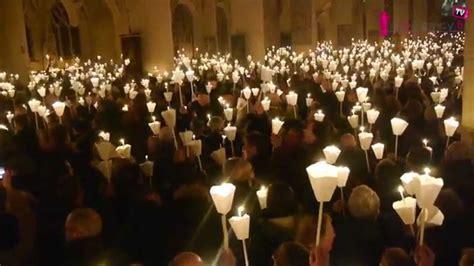769e procession aux flambeaux dans la basilique de nicolas de port