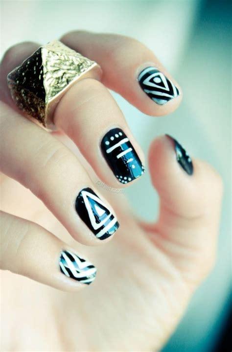 Перо и надписи на ногтях. Самый лучший чёрный и белый лак. Стемпинг и слайдеры . 10000000roz YouTube