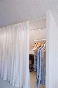 Vorhang Für Dachschräge : die 25 besten ideen zu kleiderschrank kinderzimmer auf pinterest begehbarer kleiderschrank ~ Markanthonyermac.com Haus und Dekorationen