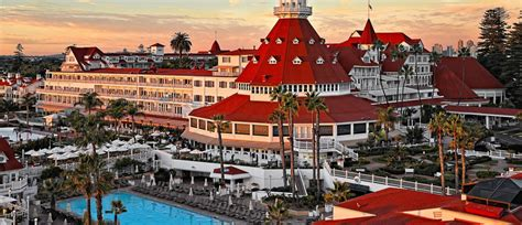 Well Traveled Kids / The Picture Perfect Hotel del ...