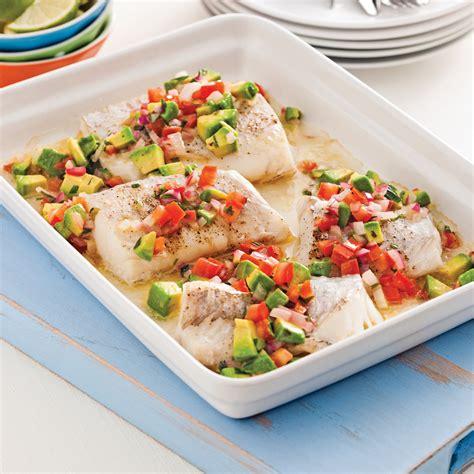 cuisiner poisson blanc poisson à la salsa tiède de tomates et avocat recettes