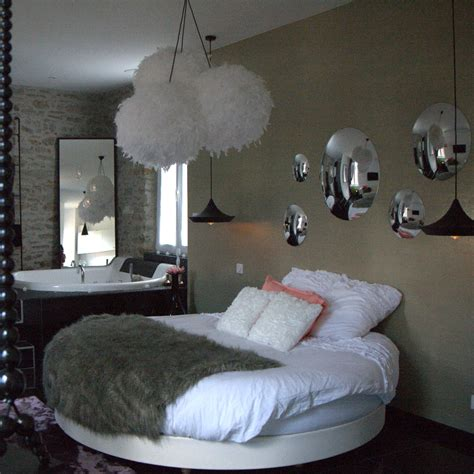 chambre avec lit noir déco chambre lit rond