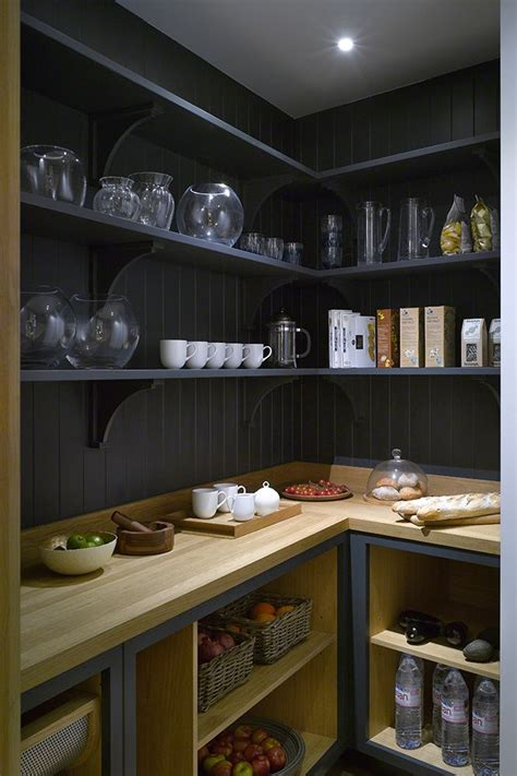 kitchen designs with walk in pantry 25 best ideas about walk in pantry on 9357