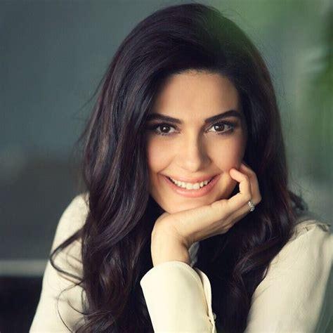 berguzar korel ️ turkish celebs ️ pinterest beautiful sexy and actresses