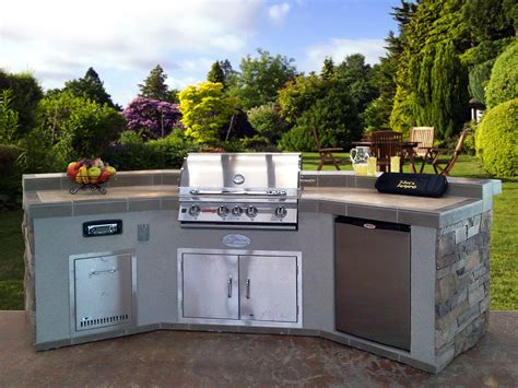 Outdoor Kitchen Island  Casual Cottage