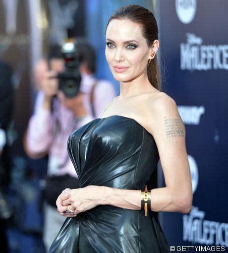 Oha! Angelina Jolie mit XXL-Brüsten bei Maleficent ...
