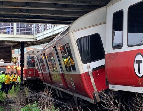 Red Line Derailment Is the Latest as an MBTA Fare Hike Looms