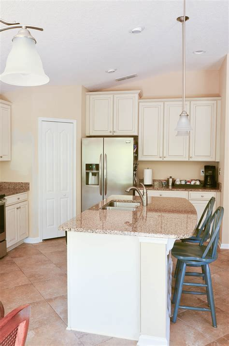 how to paint thermofoil kitchen cabinets how to paint thermofoil cabinets 8818