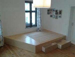 Bett Im Wohnzimmer : die besten 25 ideen zu podestbett auf pinterest ~ Lizthompson.info Haus und Dekorationen