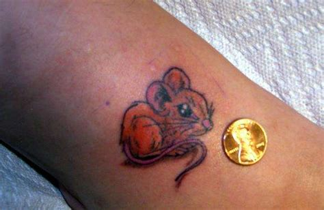 small mouse tattoo