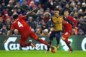 Alex Oxlade-Chamberlain considering Liverpool offer ...