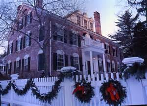 New England Christmas Homes