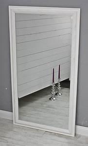 Runde Spiegel Mit Rahmen : spiegel 132 wandspiegel standspiegel wei holz landhaus holzrahmen badspiegel ebay ~ Bigdaddyawards.com Haus und Dekorationen