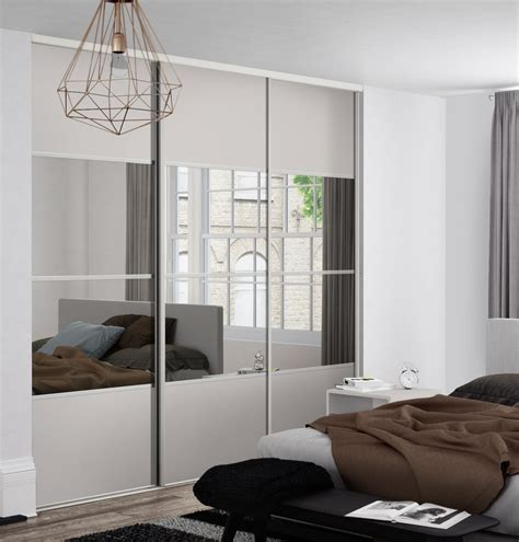 Wardrobe Closet With Mirror Doors by Classic 4 Panel Sliding Wardrobe Doors In And