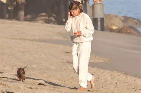 Justin Theroux Walks His Dog in N.Y.C., Plus Joan Collins ...