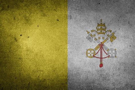 flag vatican city catholicism  image  pixabay