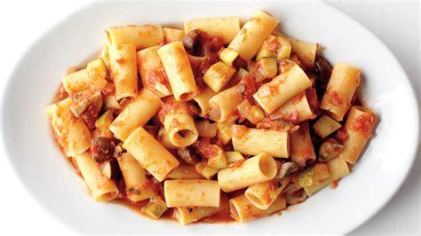 rigatoni  chunky vegetable sauce