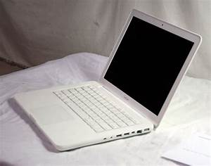 Lots of Laptops: Price Reduced Apple MacBooks