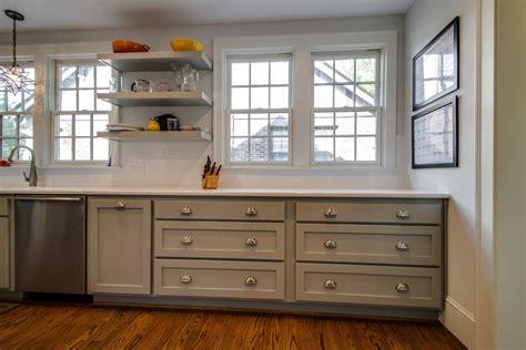 repeindre meuble cuisine en bois cuisine repeindre meuble de cuisine en bois avec gris