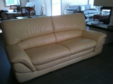 nettoyage d un canapé en cuir nettoyage d 39 un canapé en cuir sur marseille restauration