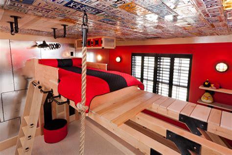 Una Habitación Infantil Para Pequeños Escaladores