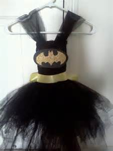 DIY Halloween Costumes Batgirl