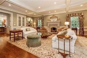 Formal living room - Traditional - Living Room - new york